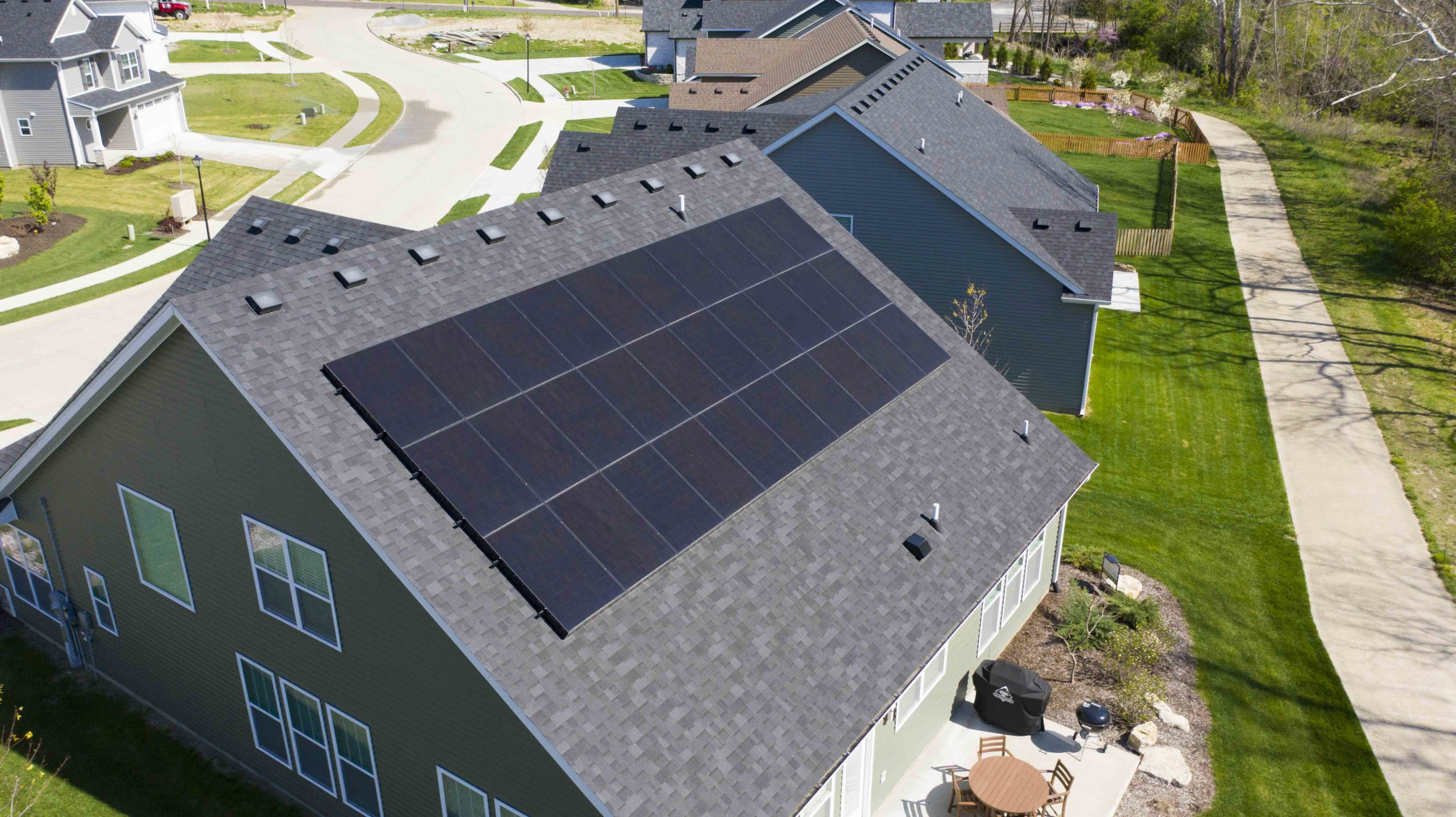Homeowners in Columbia, Missouri take advantage of the solar energy. Solar panels are a great way to reduce your electric bill.