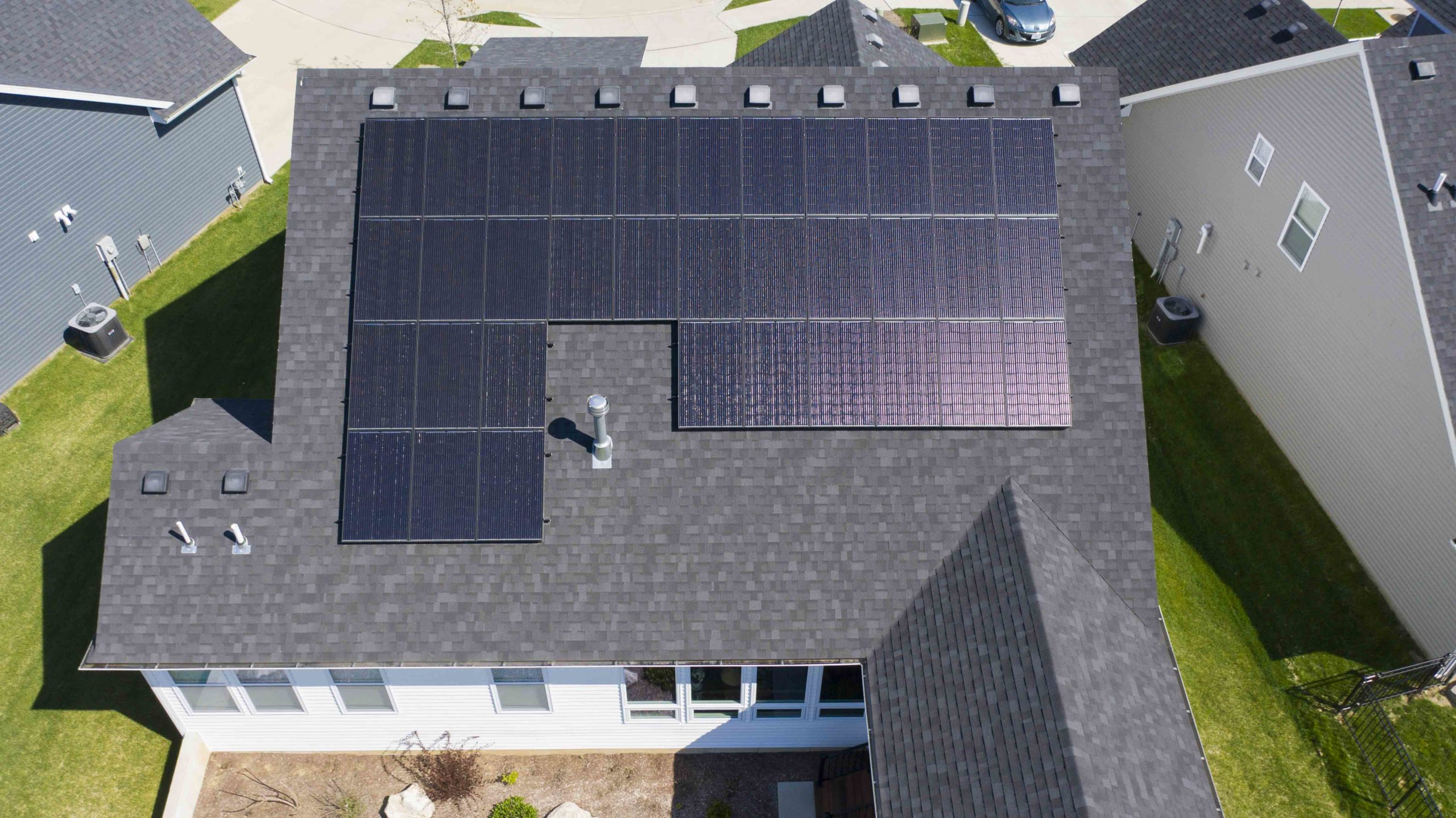 A simple roof line and clear, even plane gave Dogwood Solar a wonderful space to install solar panels on this household.